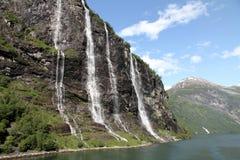 A cachoeira de sete irmãs, fiorde de Geiranger, Noruega Foto de Stock