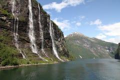 A cachoeira de sete irmãs, fiorde de Geiranger, Noruega Fotografia de Stock Royalty Free