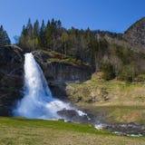 Cachoeira de Steinsdalsfossen, Noruega imagens de stock