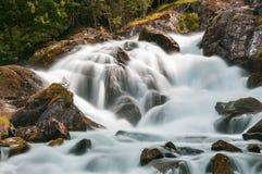 Cachoeira de surpresa em Geiranger noruega imagem de stock