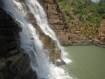 Cachoeira de Thirathgarh que cai para baixo água Fotografia de Stock Royalty Free