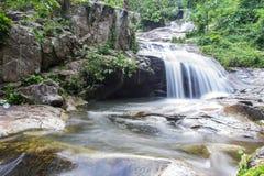 Cachoeira de Wang Bua Ban em Doi Suthep-Pui Nationnal Park, Chiangmai Foto de Stock