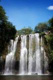 Cachoeira do céu azul fotos de stock royalty free