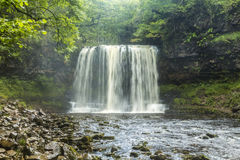 A cachoeira do Eira de Sgwd ano, Brecon ilumina o parque nacional Imagem de Stock Royalty Free