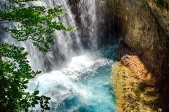 Cachoeira do La Cueva no parque nacional de Ordesa em Aragon, Espanha fotos de stock royalty free