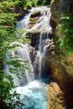 Cachoeira do La Cueva no parque nacional de Ordesa em Aragon, Espanha imagens de stock royalty free