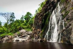 Cachoeira do Lan de Khlong do parque natural, Tailândia Foto de Stock
