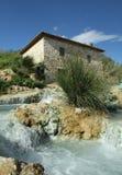 Cachoeira do moinho no Saturnia Imagens de Stock Royalty Free
