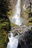 Cachoeira e arco-íris foto de stock