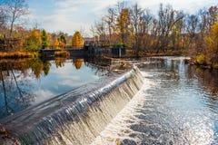 Cachoeira e represa Imagem de Stock Royalty Free