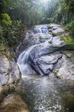 Cachoeira e rochas Imagem de Stock