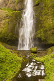 Cachoeira e rochas calmas Imagens de Stock Royalty Free