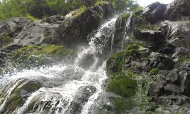 Cachoeira em Apuseni (Wasserfall em Apuseni) Imagens de Stock Royalty Free