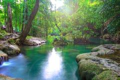 Cachoeira em Kanchanaburi, Tailândia de Erawan Foto de Stock