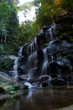 Cachoeira em montanhas azuis Foto de Stock Royalty Free
