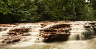 Cachoeira em Muddy Creek perto de Albright WV Fotos de Stock