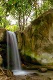 Cachoeira em preto e branco Fotografia de Stock Royalty Free