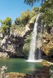Cachoeira em um lago em França Foto de Stock Royalty Free