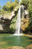 Cachoeira em um lago em França Imagens de Stock Royalty Free