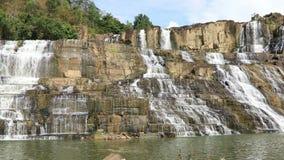 Cachoeira famosa de Pongour em Vietname vídeos de arquivo