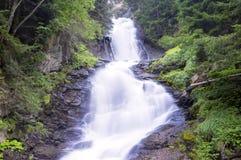 Cachoeira (movimento borrado) Imagem da cor Imagem de Stock Royalty Free