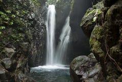 Cachoeira da caverna Fotos de Stock Royalty Free