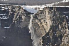 Cachoeira na fonte do rio de Nervion, Espanha fotografia de stock