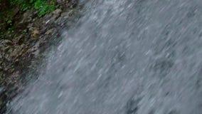 cachoeira na montanha vídeos de arquivo