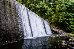 Cachoeira na paisagem da mola - Turquia foto de stock