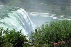 Cachoeira na queda Fotos de Stock