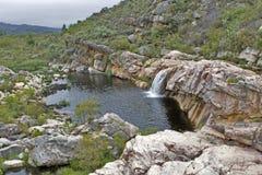Cachoeira nas montanhas de Cederberg Imagens de Stock