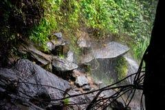 Cachoeira nas rochas Foto de Stock