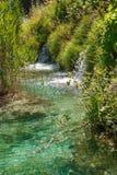 Cachoeira no córrego claro, Europa Fotos de Stock