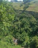 Cachoeira no desfiladeiro Fotografia de Stock Royalty Free