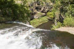 Cachoeira no desfiladeiro Foto de Stock