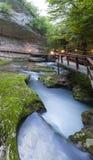 Cachoeira no desfiladeiro Chernigovka Imagens de Stock