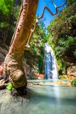 Cachoeira no Neda O Neda é um rio no Peloponnese ocidental em Grécia fotos de stock