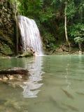 Cachoeira no parque nacional de Erawan imagens de stock