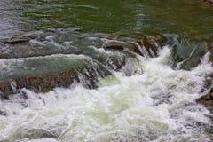 Cachoeira no rio Foto de Stock