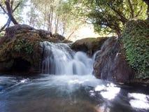 Cachoeira no rio de Hueznar Foto de Stock