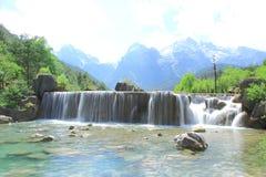Cachoeira no vale da lua azul, Lijiang, China Fotos de Stock