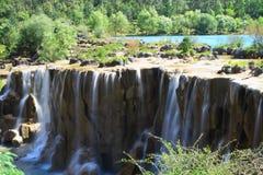 Cachoeira no vale da lua azul, Lijiang, China Imagens de Stock