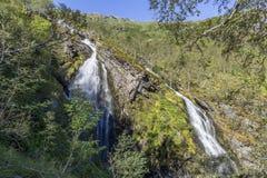 Cachoeira no vale de Flam em Noruega imagem de stock