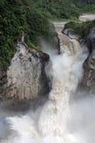 Cachoeira nos Andes Foto de Stock