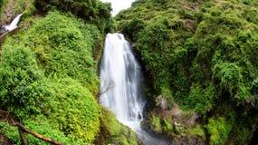 Cachoeira Peguche nas montanhas de Otavalo, Equador Fotografia de Stock Royalty Free