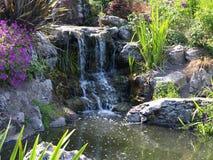 Cachoeira pequena com a outra natureza Fotos de Stock Royalty Free