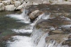 Cachoeira pequena do córrego Imagens de Stock Royalty Free