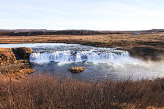 Cachoeira pequena em Islândia Fotos de Stock Royalty Free