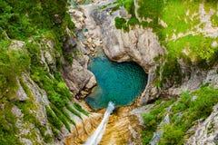 Cachoeira pequena em Neuschwanstein fotografia de stock