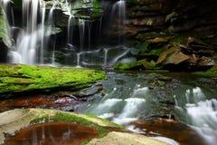 Cachoeira pitoresca Fotos de Stock Royalty Free